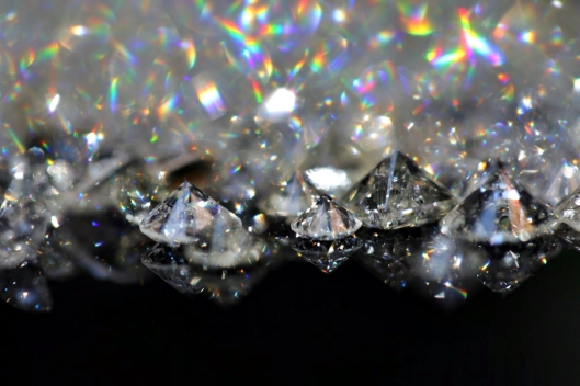 diamonds_stone_gemstone_jewel_gem_refraction_brilliant_sparkle-650105.jpg!d