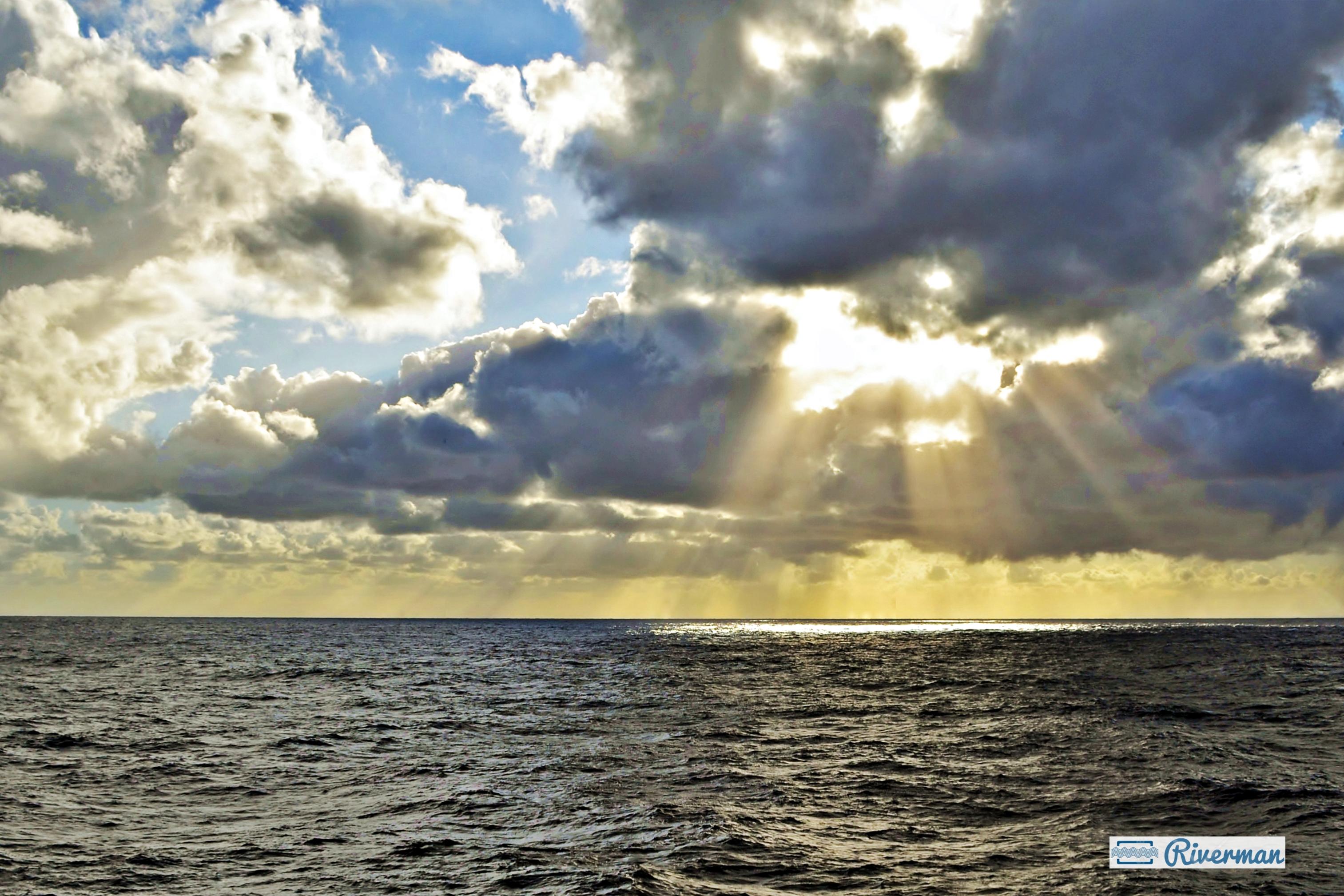 Sea Light 2.JPG